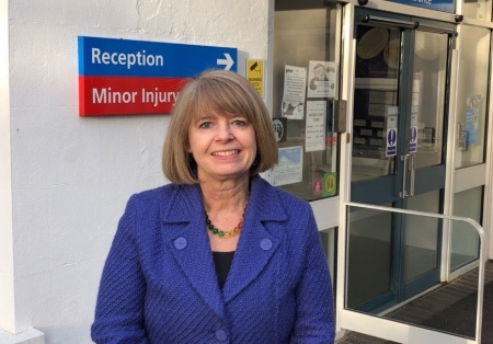 Harriett Baldwin visits Tenbury community hospital