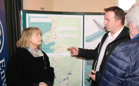 Harriett Baldwin MP (left) receives a briefing on the latest Severn Stoke flood protection scheme from the Environment Agency's