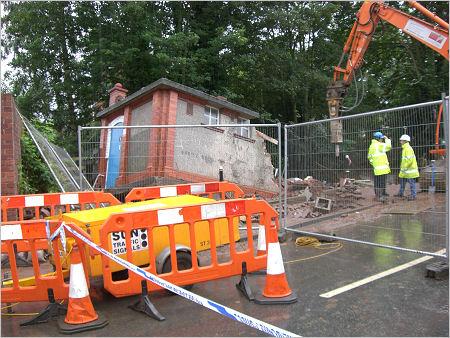 Market Street toilets being demolished